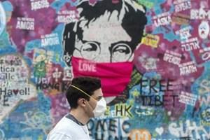 CH Séc, Hà Lan và Bắc Ireland siết chặt biện pháp dập dịch