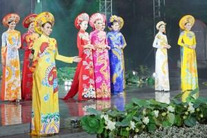 Áo dài và di sản văn hóa