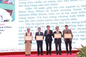 Đại hội thi đua yêu nước ngành y tế lần thứ VII: Tôn vinh 29 tập thể, 26 cá nhân xuất sắc