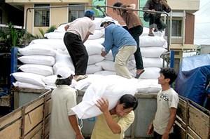 5.000 tấn gạo hỗ trợ cho người dân các tỉnh miền Trung