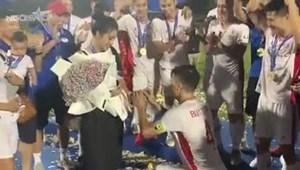 [VIDEO] Bùi Tiến Dũng bất ngờ cầu hôn Khánh Linh