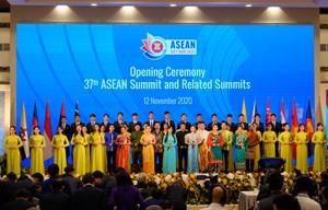 ASEAN, gắn kết và chủ động thích ứng