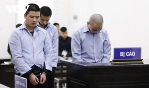 Tuyên án tử hình 3 bị cáo người Trung Quốc giết người, cướp taxi