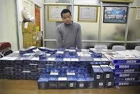 Bắt vụ buôn bán 2.000 bao thuốc lá lậu