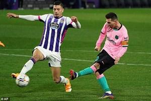 Messi phá kỷ lục của Pele, Barcelona thắng lớn
