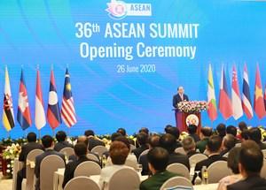 Hội nghị Cấp cao ASEAN: Cùng vượt qua giai đoạn cam go