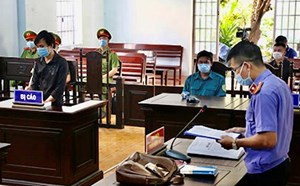 Bình Thuận: 12 tháng tù giam cho kẻ cố tình vượt chốt chống người thi hành công vụ