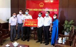 Khánh Hòa tiếp nhận 300 triệu đồng quỹ phòng chống Covid -19