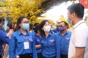 TP HCM tổ chức chuyến xe đưa công nhân về quê đón tết