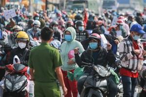 TP HCM nhận trách nhiệm trong việc hàng ngàn người tự phát về quê