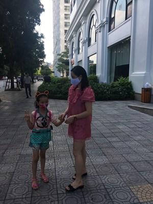 Người dân Hà Nội chủ động phòng chống dịch