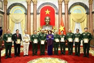 Phó Chủ tịch nước gặp mặt cựu chiến binh Trung đoàn 271
