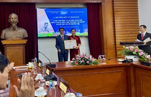 Trao giải cuộc thi đọc và tự học suốt đời theo tấm gương Chủ tịch Hồ Chí Minh