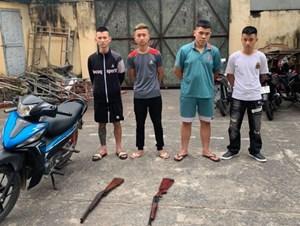 Nhóm thiếu niên mang súng đến nhà đối thủ đấu thầu đất để bắn 'dằn mặt'