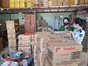 Bắt giữ 2,5 tấn bánh kẹo lậu ở Thanh Hóa