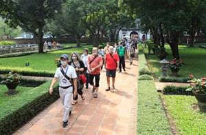 Tết Dương lịch, khách du lịch đến Hà Nội giảm