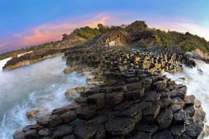 Xếp hạng 7 di tích quốc gia đặc biệt và công nhận 24 bảo vật quốc gia