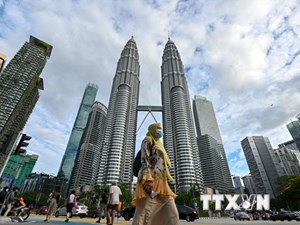 Malaysia tái phong tỏa gần như toàn bộ đất nước để chống dịch Covid-19