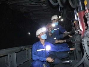 Thực hiện quy định cách ly, nhiều thợ mỏ ở lại Quảng Ninh đón Tết