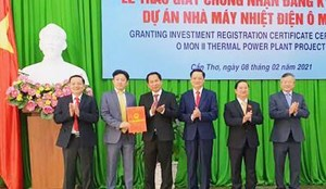 Trao giấy chứng nhận đăng ký đầu tư dự án Nhà máy nhiệt điện Ô Môn II