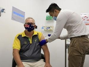 Australia bắt đầu chương trình tiêm vaccine Covid-19 trên diện rộng