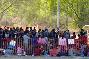 Khủng hoảng nhập cư lại bủa vây nước Mỹ