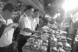 'Tuyên chiến' với thực phẩm bẩn