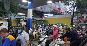 Sau thời gian dài tăng 'chóng mặt', giá xăng sẽ giảm vào ngày mai?