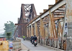 Ưu tiên kinh phí duy tu, sửa chữa cầu Long Biên