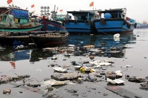 Đổi rác lấy giấy xuất bến để cứu môi trường biển