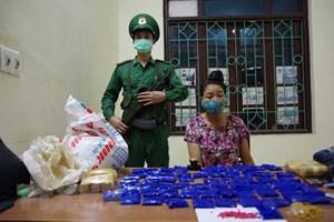 Điện Biên: Bắt quả tang vụ mua bán trái phép 12.000 viên ma tuý tổng hợp
