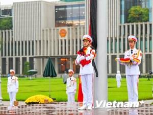 [ẢNH] Lễ thượng cờ rủ Quốc tang nguyên Tổng Bí thư Lê Khả Phiêu