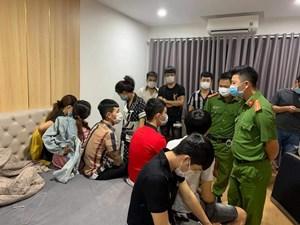 Đà Nẵng: Phạt 75 triệu 10 'nam thanh nữ tú' tụ tập sử dụng ma túy
