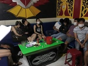 Quảng Nam: Phát hiện nhiều vụ dùng ma túy trong quán karaoke