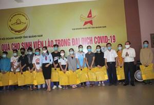 Quảng Nam: Tặng 300 suất quà cho du học sinh Lào phòng, chống dịch Covid-19