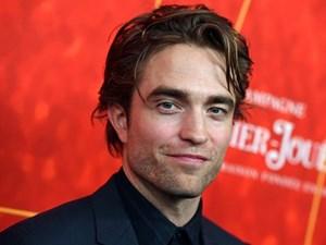 'Người dơi' Robert Pattinson dương tính với Covid-19