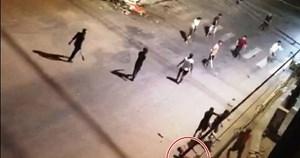 Nhóm thanh niên vô cớ chém trọng thương người đi đường vì 'chướng mắt'