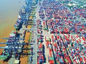 Trong suy thoái, kinh tế Việt Nam vẫn tăng trưởng
