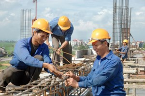Công tác quản lý an toàn, vệ sinh và lao động: Chồng chéo và phân tán