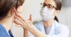 Những dấu hiệu cảnh báo ung thư vòm họng