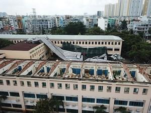 TP Hồ Chí Minh: Gió lốc phá hủy một trường trung học