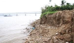 Hà Nội: Sạt lở bờ hữu sông Đà