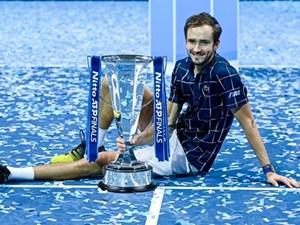 Ngược dòng hạ Thiem, Daniil Medvedev lần đầu vô địch ATP Finals