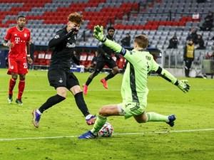 Manuel Neuer - Bức tường thành vững chắc của Bayern Munich