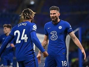 Premier League: Chelsea lên đỉnh, Manchester United vào tốp 4