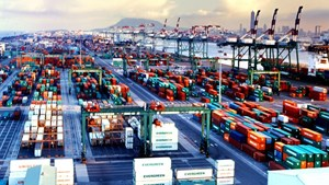 Phát triển logistics để nâng sức cạnh tranh