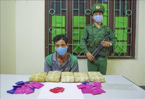 Bắt giữ đối tượng vận chuyển 30.000 viên ma túy tổng hợp