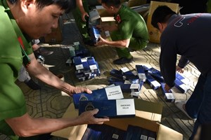 Quảng Nam: Phát hiện xe khách chở  2.750 bao thuốc lá lậu