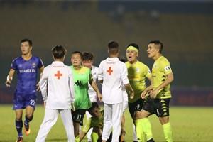 Vòng 6 V-League 2020: Còn đó những hình ảnh không đẹp