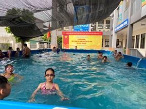 Đề án bể bơi trường học: Vẫn còn ngổn ngang
